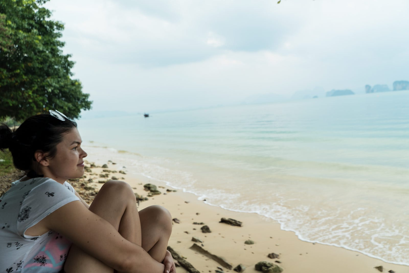 Jana am Strand in Ko Yao Noi
