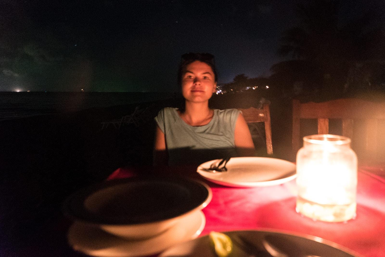 Abendessen im Dunkeln