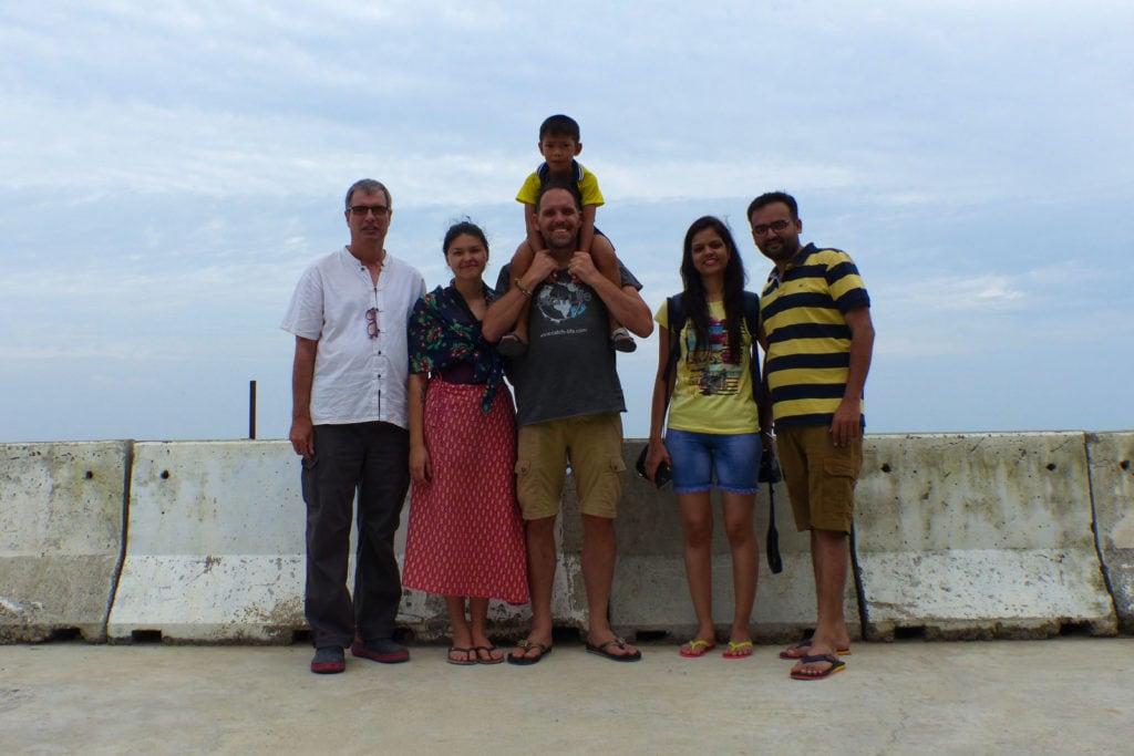 Andi, Jana, Alf mit Tawan, Freunde aus Indien