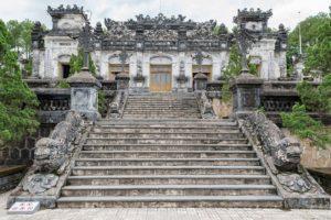 Grab Von Kaiser Khai Dinh Hue Vietnam